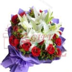 bouquet-of-white-lilies-and-red-roses